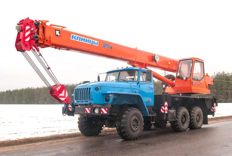 Автокран КС-55713-3К-2 на шасси Урал-5557