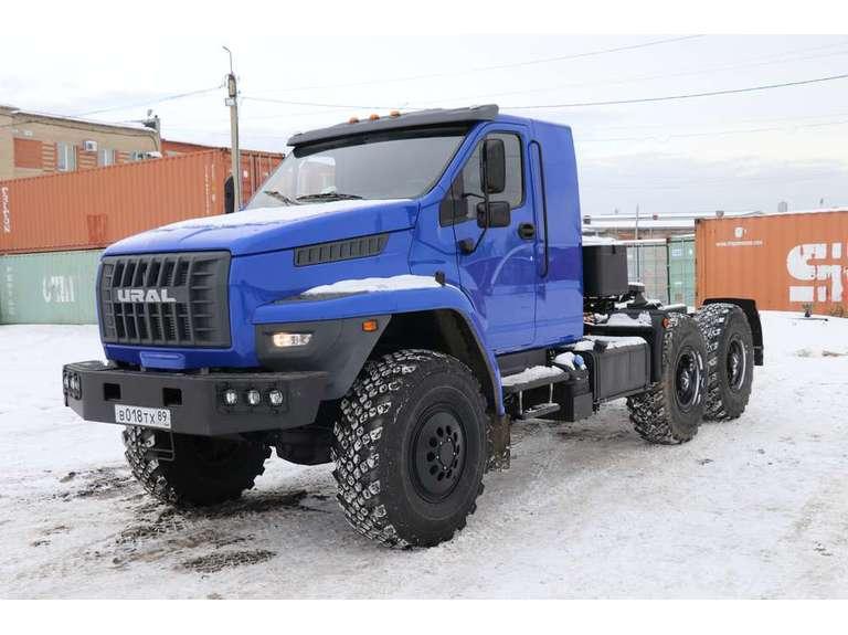 Седельный тягач Урал NEXT 44202-74Е5 (со спальным местом)