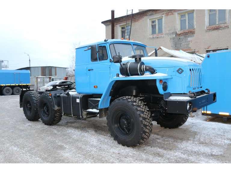 Седельный тягач Урал 44202-72Е5 (со спальным местом)