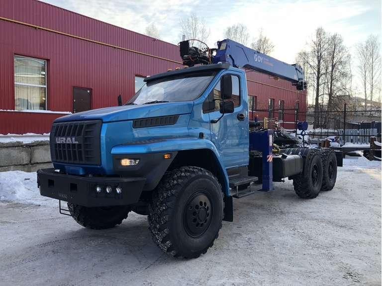 Седельный тягач Урал NEXT с КМУ