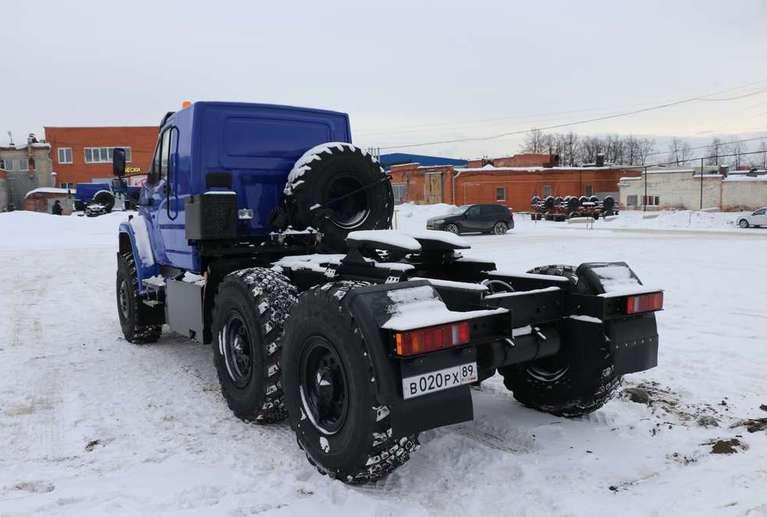 Седельный тягач Урал NEXT 44202-74Е5 (со спальным местом) ЛВЖ