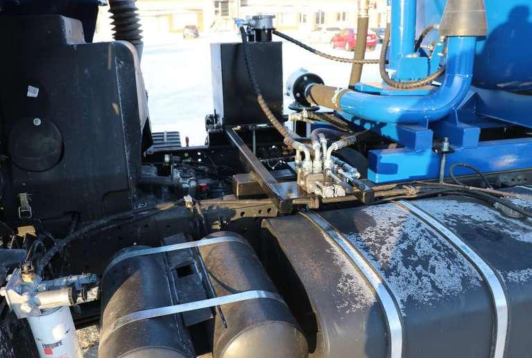 Вакуумная машина МВС-8 на шасси КАМАЗ 65115-48