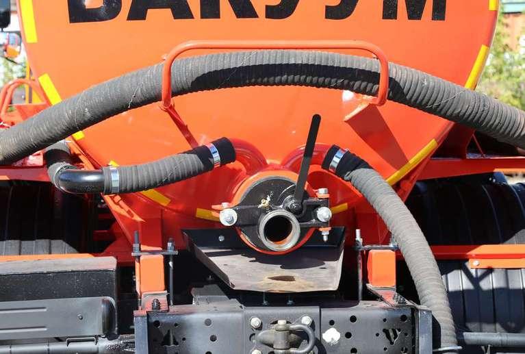 Вакуумная машина МВ-10 на шасси КАМАЗ 65115 (без спального места)