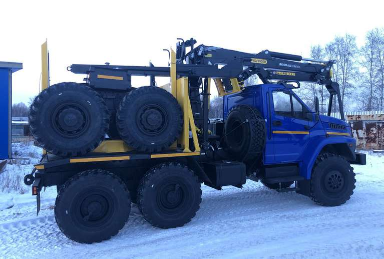 Лесовозный тягач с КМУ ВЕЛМАШ VM10L74 на шасси Урал NEXT 5557-6151-72Е5Г38