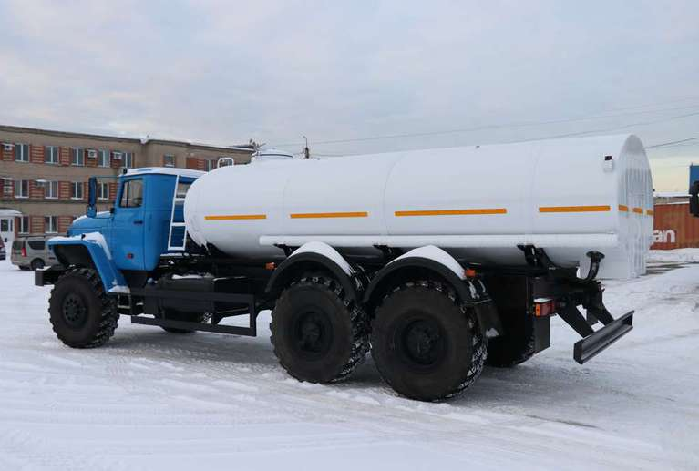 Автоцистерна АЦПТ-9,5 на шасси УРАЛ 4320-60Е5
