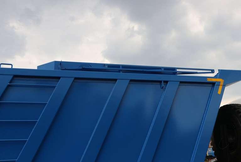 Самосвал-шламовоз на шасси КАМАЗ 65222-53