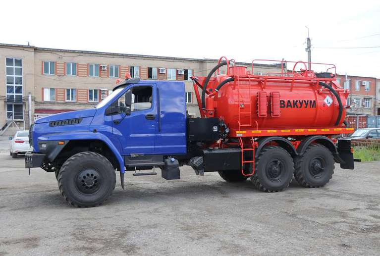 Илососная машина МВС-10 на шасси УРАЛ NEXT