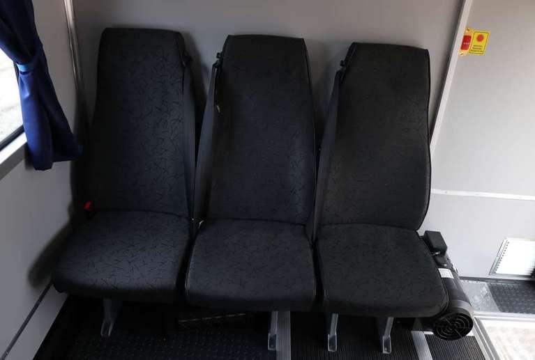 Вахтовый автобус КАМАЗ 43118-50 (со скосами в верхней части) (28 мест)