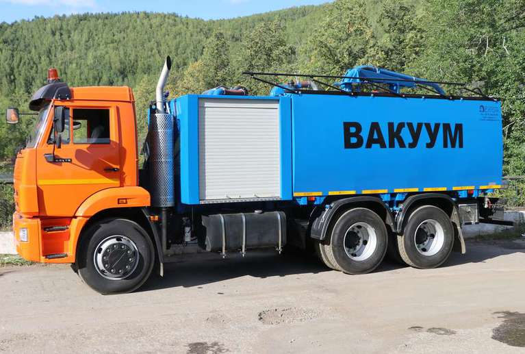 Комбинированная вакуумная машина КМВС-6/5 на шасси КАМАЗ 65115-48 (насос DL-250)