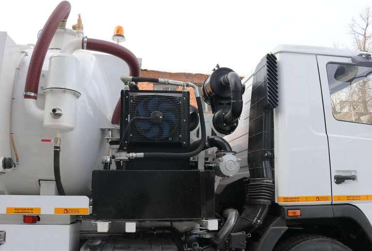 Вакуумная илососная машина МВС-9 на шасси МАЗ 534025 (насос DL-250)