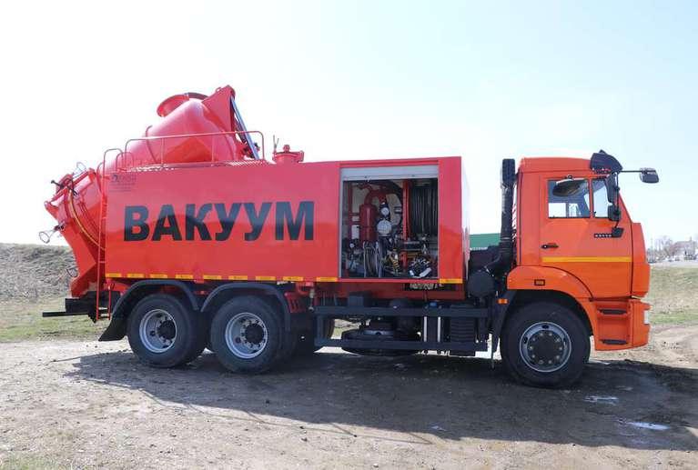 Комбинированная вакуумная машина КМВС-6/5 на шасси КАМАЗ 65115-50 (насос Jurop PN-140)