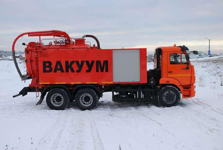 Комбинированная вакуумная машина КМВС-6/5 на шасси КАМАЗ 65115-50 (насос PNR-124)
