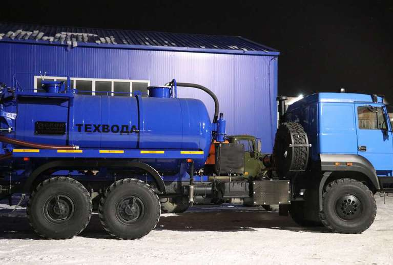 Вакуумная машина МВ-10ОД на шасси УРАЛ 4320-80Е5 (бескапотный)