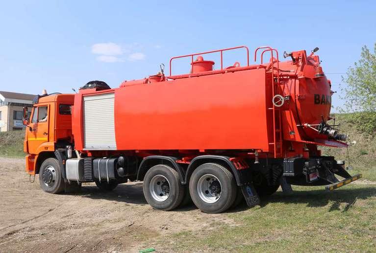 Комбинированная вакуумная машина КМВС-7/5 на шасси КАМАЗ 65111-50 (насос PVT-400)