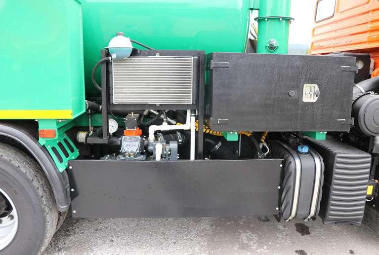 Вакуумная илососная машина МВС-10 на шасси КАМАЗ 65115 (насос Jurop LC 420)
