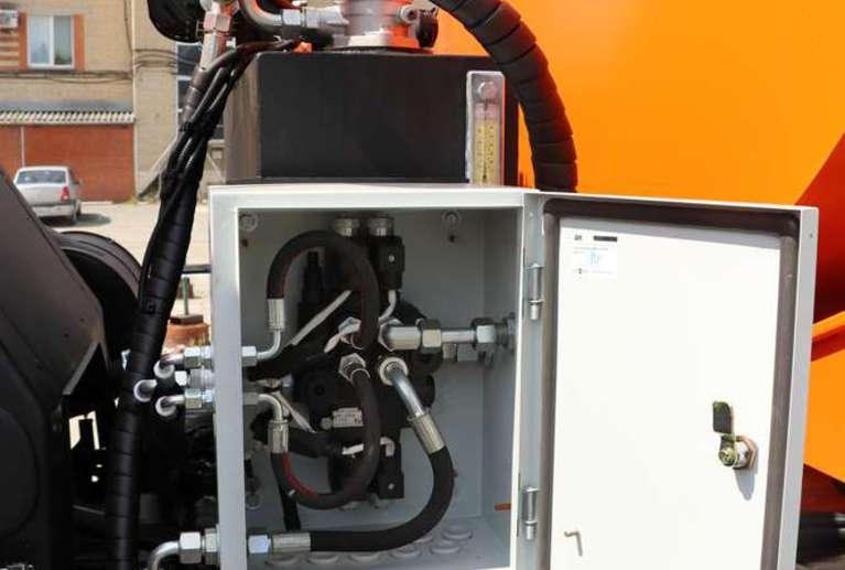 Поливомоечная машина Р-53605ПМ на шасси КАМАЗ 53605-48(A5)