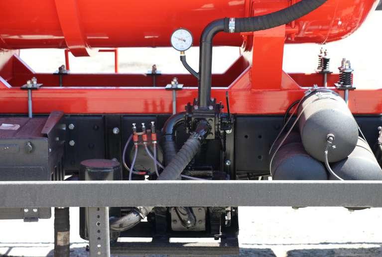 Вакуумная машина МВ-20 на шасси КАМАЗ 6520
