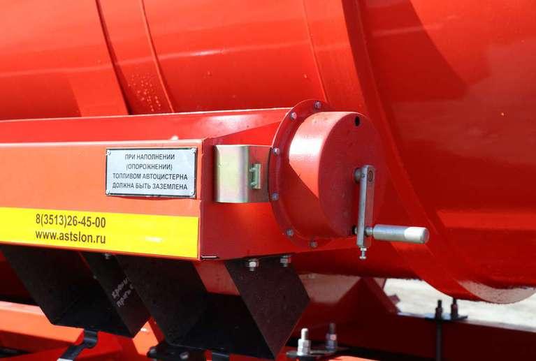 Автоцистерна нефтепромысловая АКН-12ОД на шасси УРАЛ 4320-82Е5