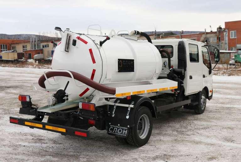 Вакуумная машина МВ-3 на шасси HINO 300