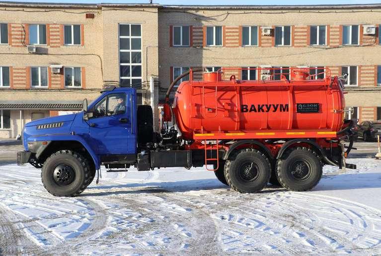 Вакуумная машина МВ-10ОД на шасси УРАЛ NEXT
