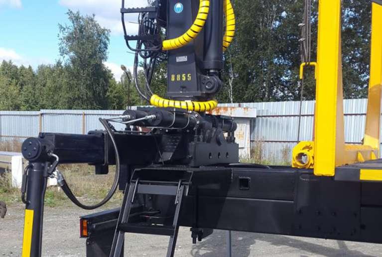 Сортиментовоз на шасси УРАЛ 4320 с гидроманипулятором VM10L
