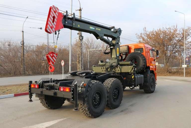 Седельный тягач КАМАЗ 43118 с КМУ ИМ-240А
