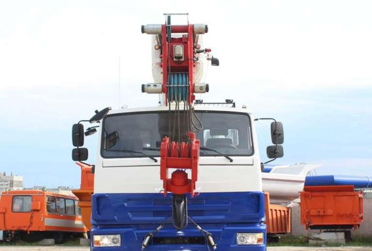 Автокран КС-65719-3К-1 на шасси КАМАЗ-63501