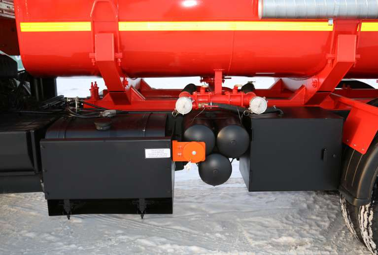 Автоцистерна АЦ-17 Камаз 65111