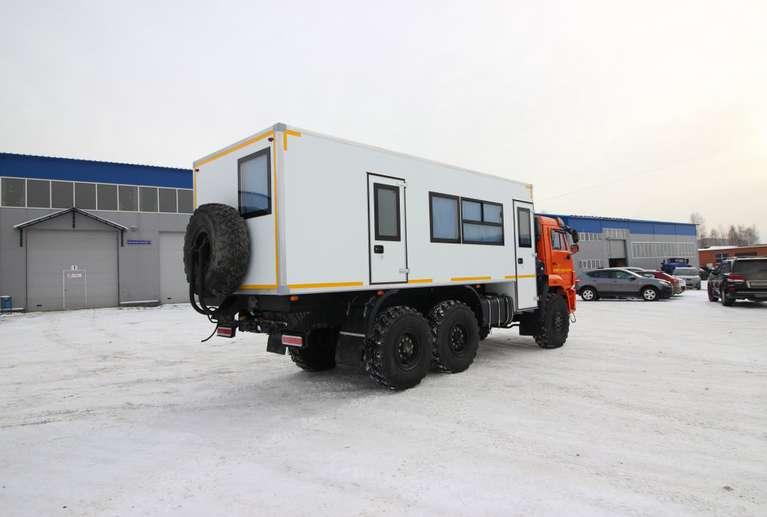 Вахтовый автобус КАМАЗ 43118-50 (с бытовым отсеком) (14 мест)