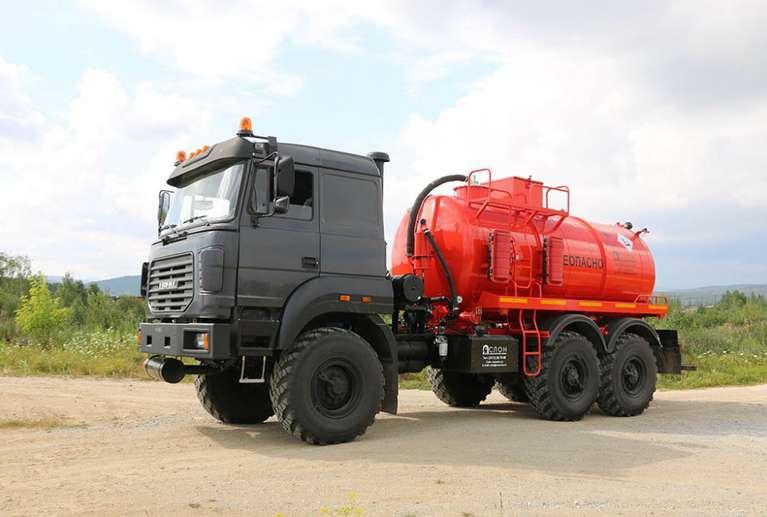 Автоцистерна АКН-10ОД на шасси УРАЛ 5557-80М