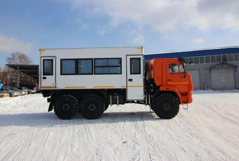 Вахтовый автобус КАМАЗ 43118-50 (со спальным местом) (20 мест)