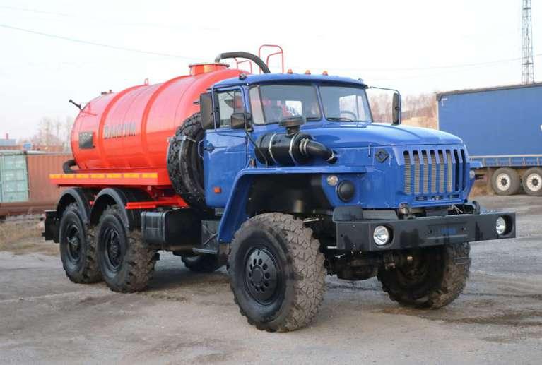 Вакуумная машина МВ-8 на шасси УРАЛ 5557-60Е5