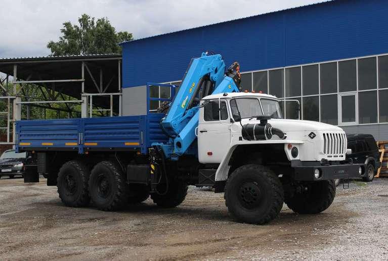 Бортовой автомобиль Урал 4320 (капотный) с КМУ ИМ-240