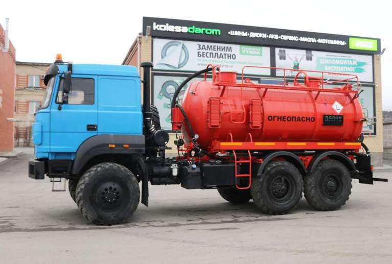 Автоцистерна АКН-10ОД на шасси УРАЛ 5557 (Бескапотный)