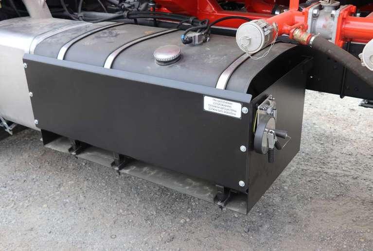 Автотопливозаправщик АТЗ-17 на шасси КАМАЗ 65115-50 (4 секции)
