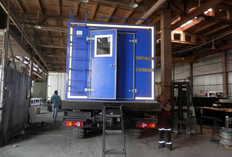 Жилой мобильный комплекс 6 мест на шасси КАМАЗ 43118