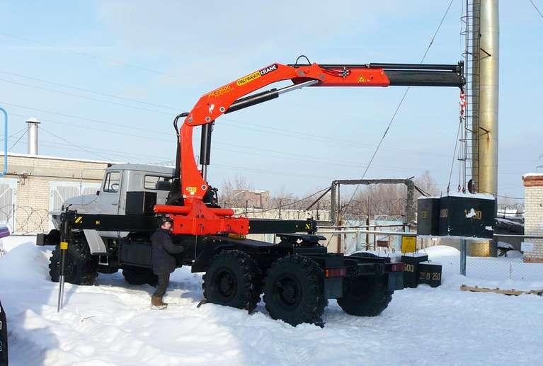 Седельный тягач УРАЛ 4320 с КМУ Palfinger PK-23500А