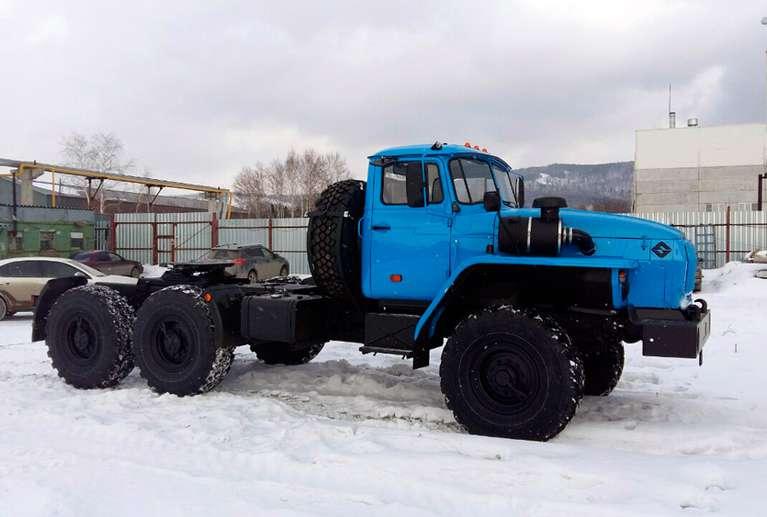 Седельный тягач Урал 44202-72Е5