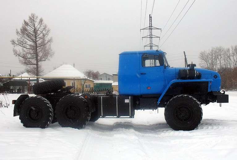 Седельный тягач Урал 44202-60Е5 (со спальным местом)