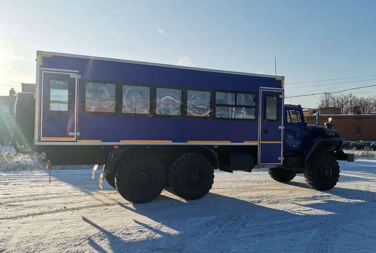 Вахтовый автобус УРАЛ 4320 (капотный) (28 мест)
